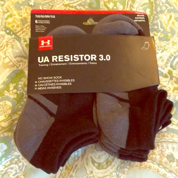 Under Armour Other - BNWT size YLG 6pk Under Armour socks